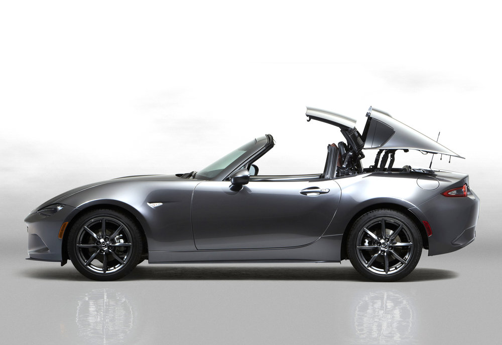 11Mazda_MX-5RF_showmodel_Side_movement_white.jpg