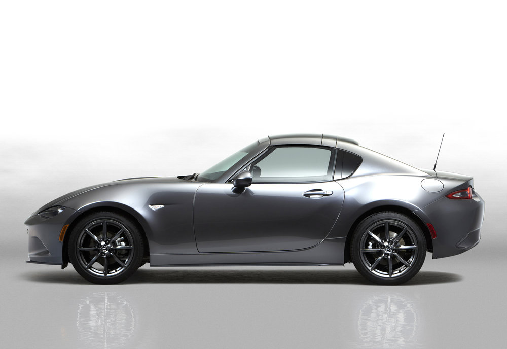 2Mazda_MX-5RF_showmodel_Side_close_white.jpg