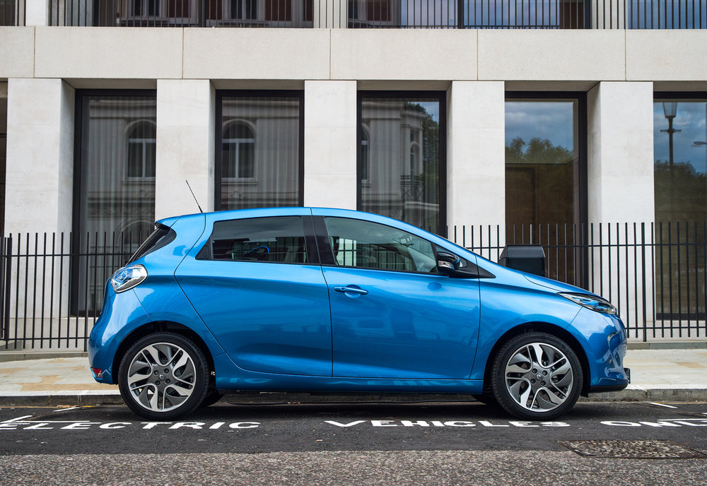 Renault announces pricing and specification for ZOE Z.E.4 EMBARGO 011116 07h00 UK time (2).jpg