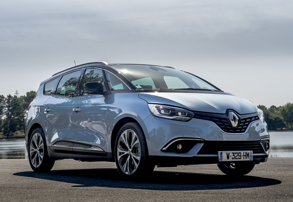 Renault-announces-pricing-and-specification-of-All-New-Scenic-and-Grand-Scenic-(2).jpg