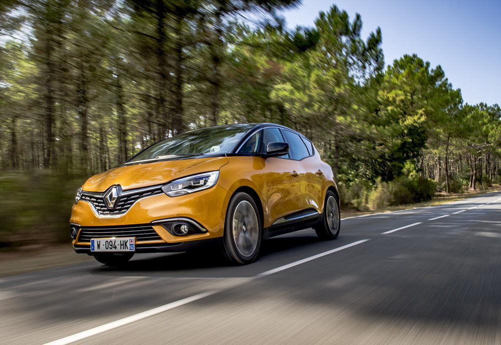 Renault-announces-pricing-and-specification-of-All-New-Scenic-and-Grand-Scenic-(7).jpg