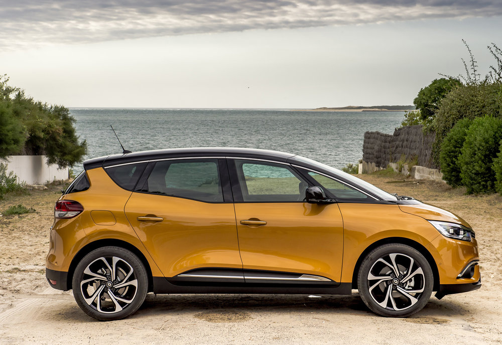 Renault-announces-pricing-and-specification-of-All-New-Scenic-and-Grand-Scenic-(8).jpg