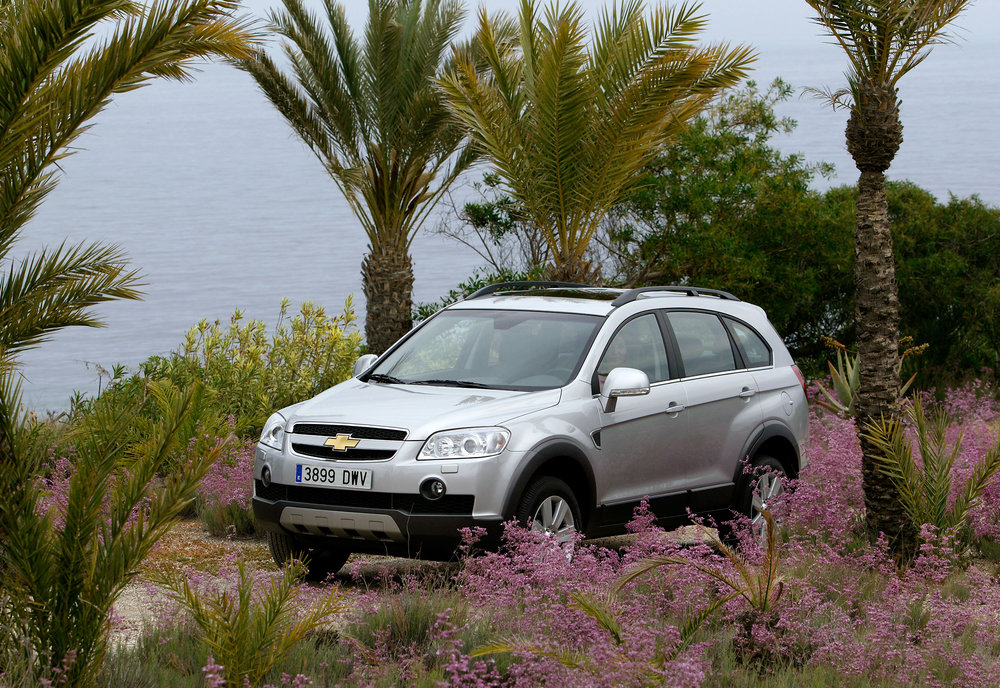Chevrolet Captiva-06.jpg