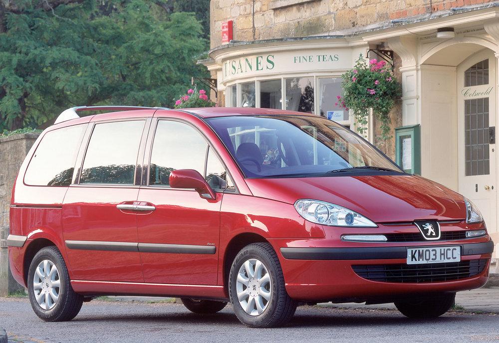 Peugeot 807 02.jpg