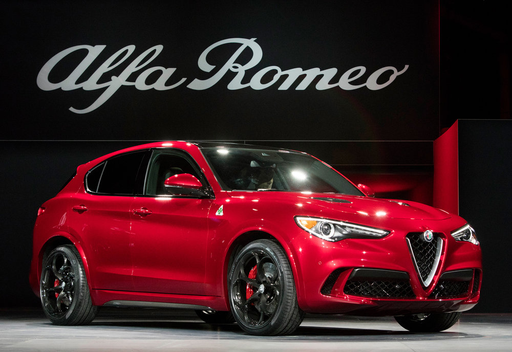 alfa romeo reveals new stelvio suv new car net. Black Bedroom Furniture Sets. Home Design Ideas