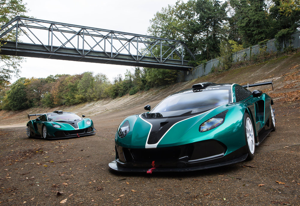 A-pair-of-Arrinera-Hussarya-GTs-on-the-Brooklands-banking.jpg