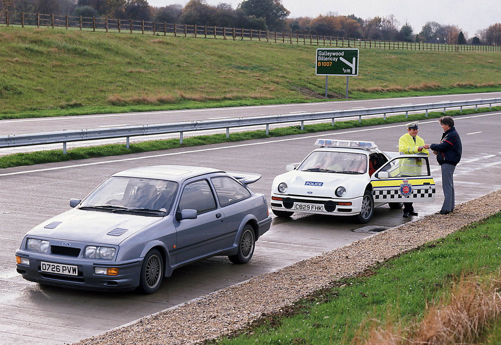 The-Focus-RS-on-trial-30-years-after-a-Ford-RS200-police-car.jpg
