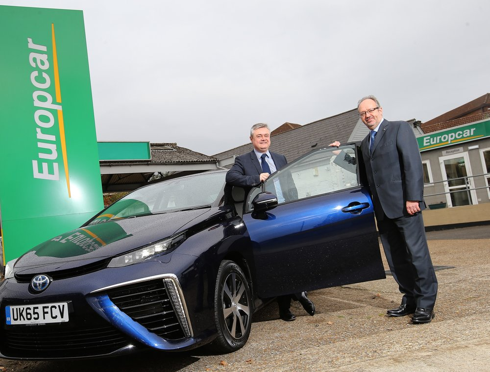 Gary-Smith-and-Jon-Hunt-with-Toyota-Mirai.jpg