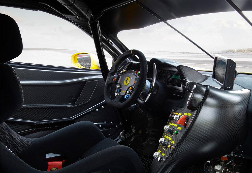 Ferrari_488_Challenge_interno_2.jpg