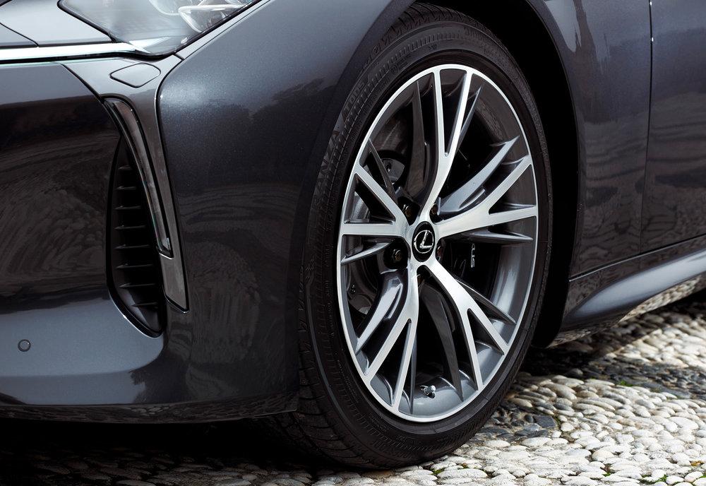 2017_Lexus_LC500_DarkGrey_ExteriorDet_3.jpg