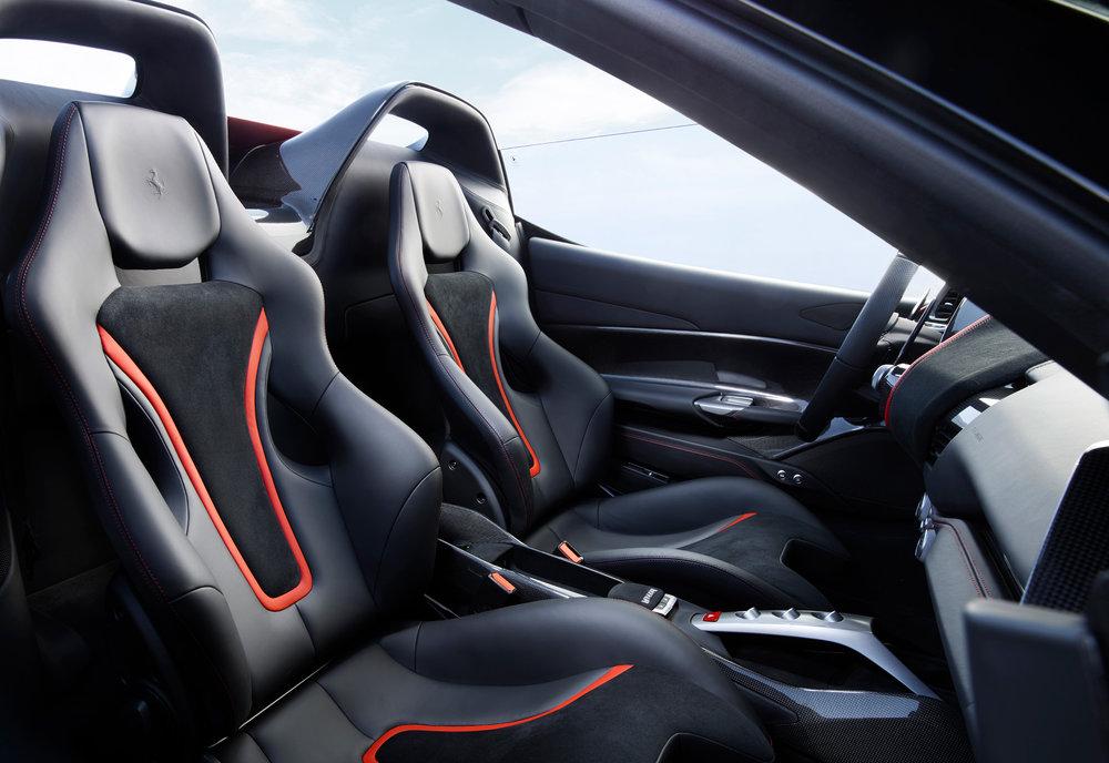 Ferrari_J50_int_02.jpg