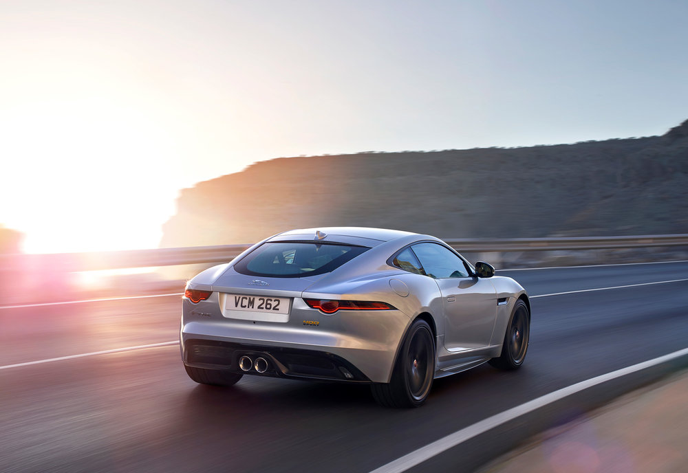 JAGUAR_F-TYPE_18MY_400S_051216_0900_GMT_Location_Exterior_01.jpg