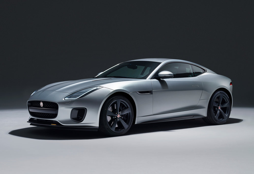 JAGUAR_F-TYPE_18MY_400S_051216_0900_GMT_Studio_Exterior_01.jpg