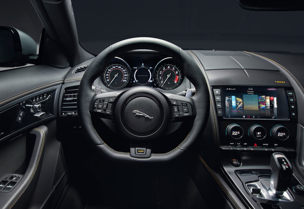 JAGUAR_F-TYPE_18MY_400S_051216_0900_GMT_Studio_Interior_02.jpg