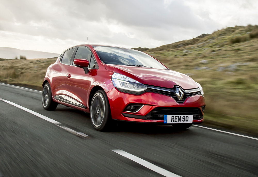 RENAULT-CLIO-ADDS-NEW-TOP-OF-THE-RANGE-VERSION--(2).jpg