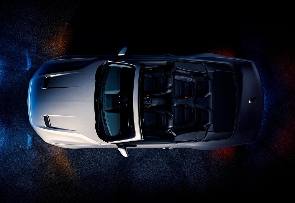 Ford-Mustang-GT-Convertible-Ingot-Silver-2.jpg
