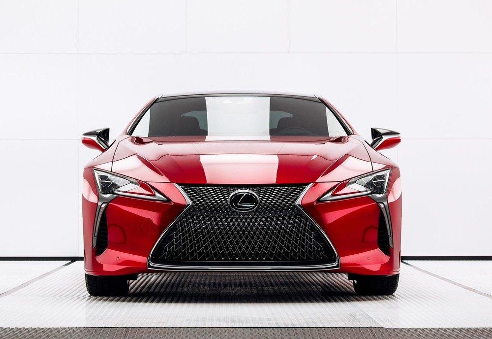Lexus_Man_Machine_1_700ACDBDF29260EA4169DB4F4D88CE363BDD4475.jpg