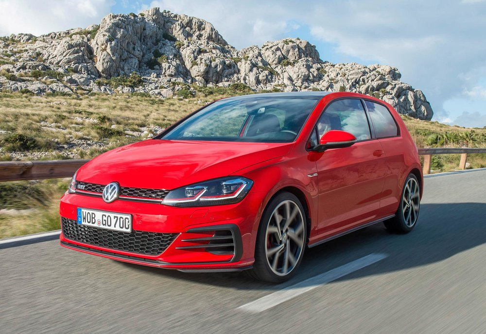 New-Volkswagen-Golf-GTI-2017--(8).jpg