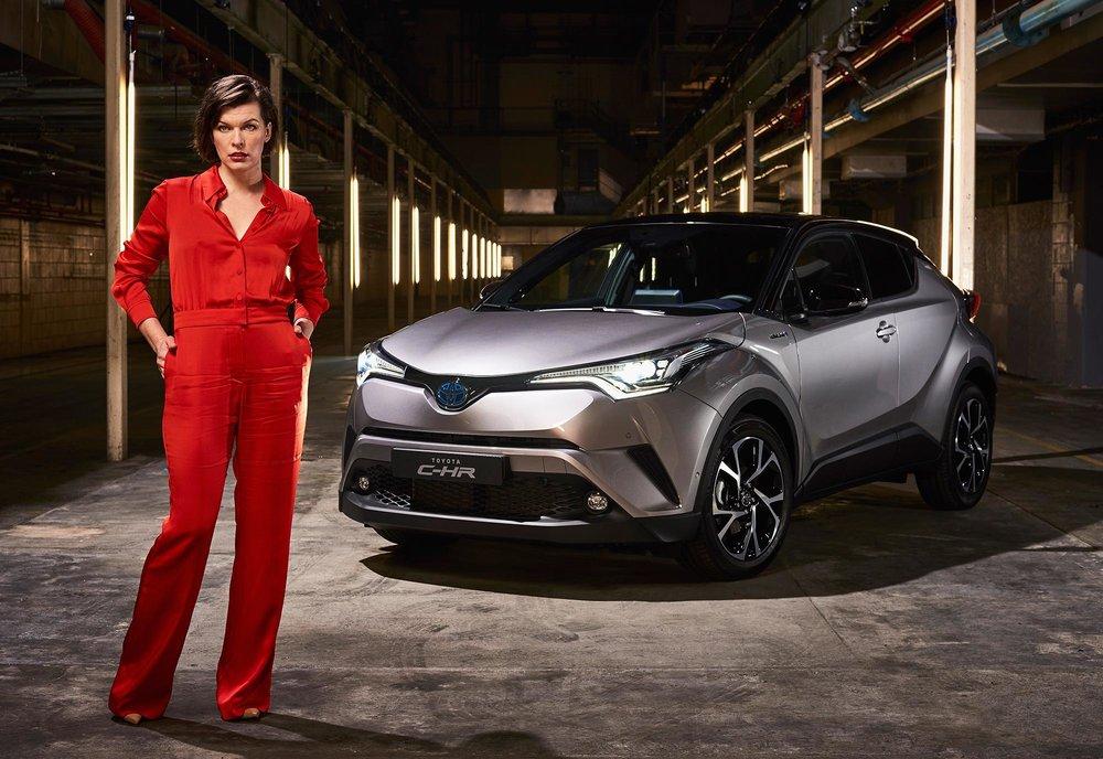 Milla-Jovovich-Toyota-C-HR-1.jpg