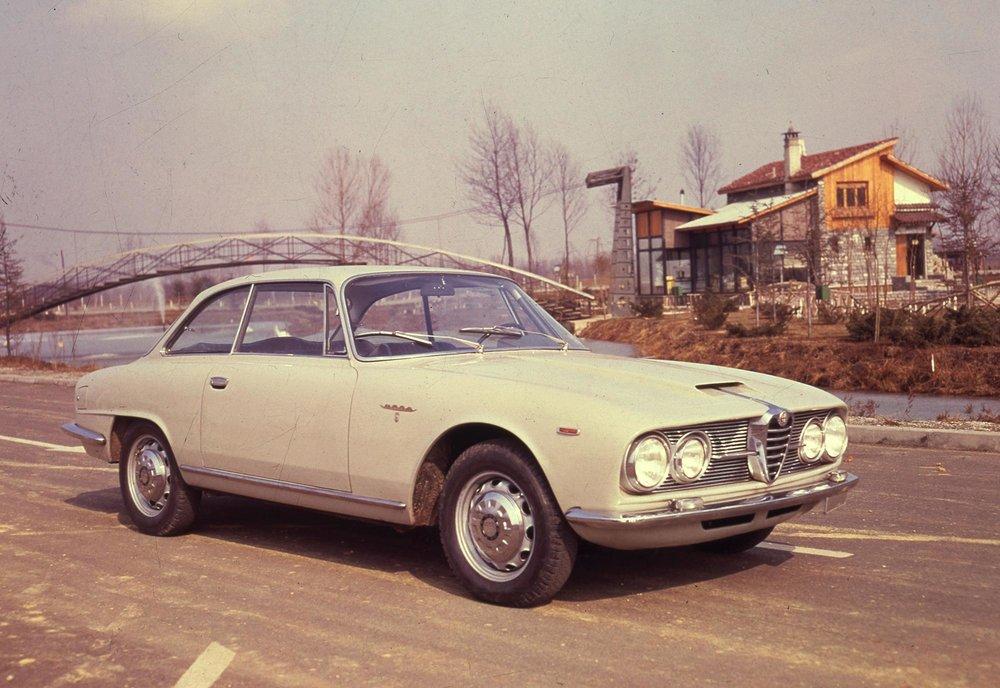 170206_Heritage_Alfa_Romeo_2600_Sprint_1.jpg