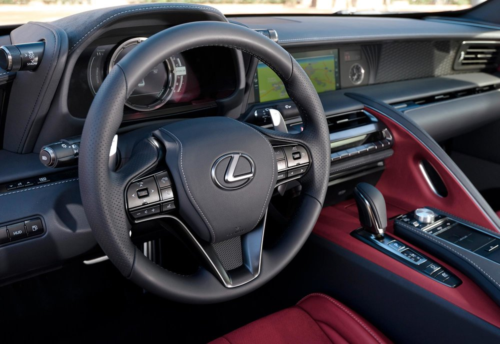 2017_Lexus_LC500h_InteriorDet_4.jpg