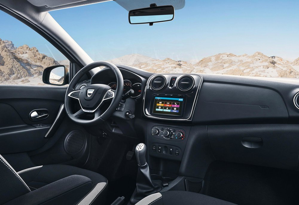 New-Logan-MCV-Stepway---EMBARGO-08h00-220217.jpg