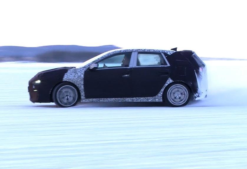Hyundai_i30_Arjeplog_graphics_04.00_00_45_14.Still002.jpg