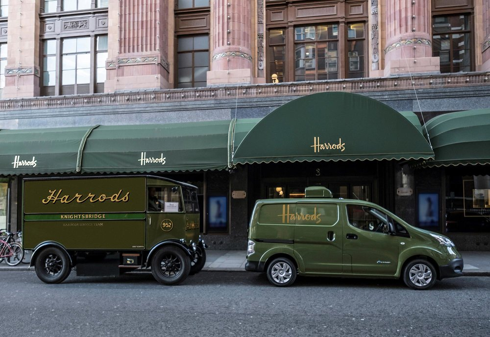 426187332_All_electric_Nissan_e_NV200_revolutionises_iconic_Harrods_delivery_fleet.jpg