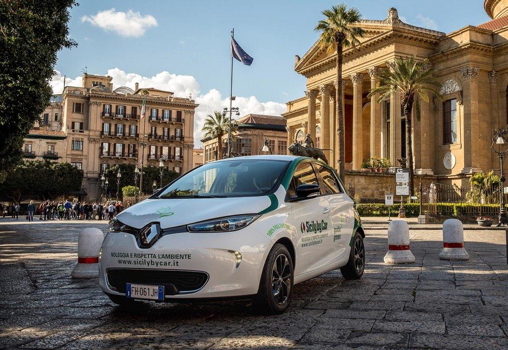 Renault_88989_global_en.jpg
