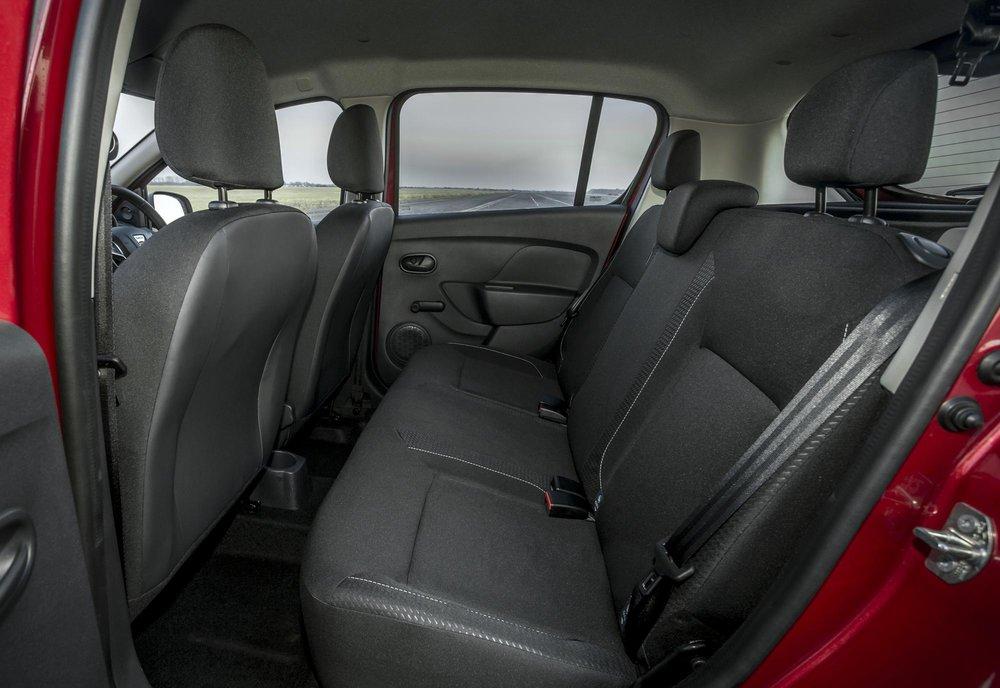 New-Dacia-Sandero-Ambiance-dCi-90-(11).jpg