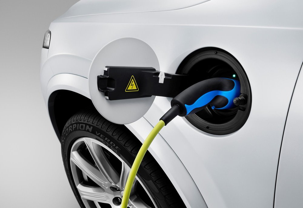 150060_The_all_new_Volvo_XC90_Charging.jpg