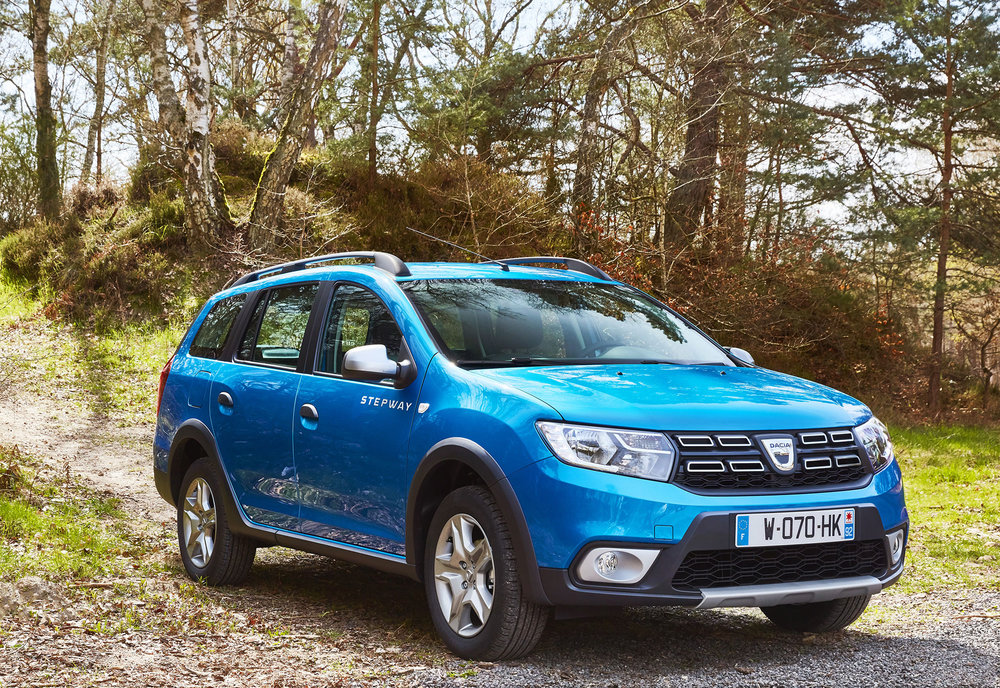 Dacia-announces-Logan-MCV-Stepway-UK-pricing--specification-EMBARGO-09h00-020517-(1)-LEAD.jpg
