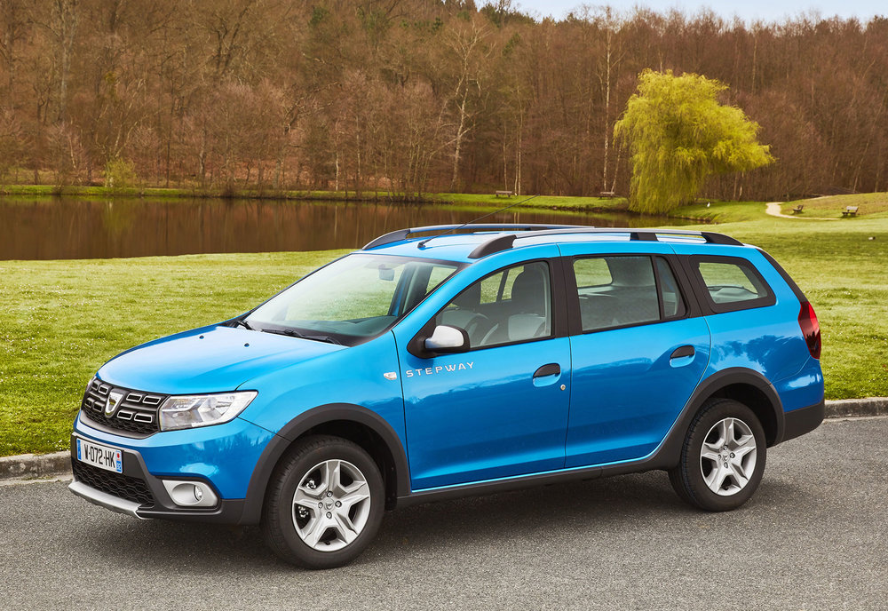 Dacia-announces-Logan-MCV-Stepway-UK-pricing--specification-EMBARGO-09h00-020517-(3).jpg