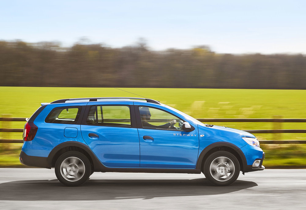 Dacia-announces-Logan-MCV-Stepway-UK-pricing--specification-EMBARGO-09h00-020517-(7).jpg
