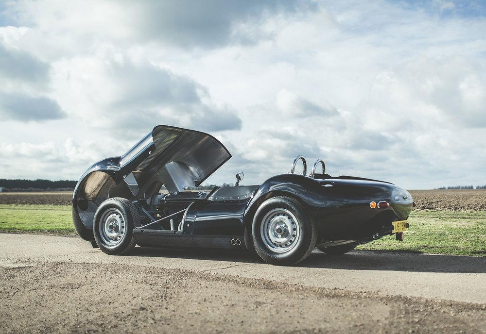 Lister_Jaguar_2.jpg