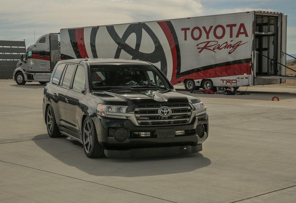 Toyota.LSC_.Mojave.Hi_.Res_.19.jpg