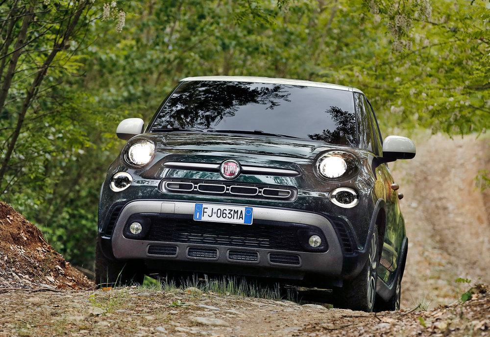 170522_Fiat_New-500L-Cross_01.jpg