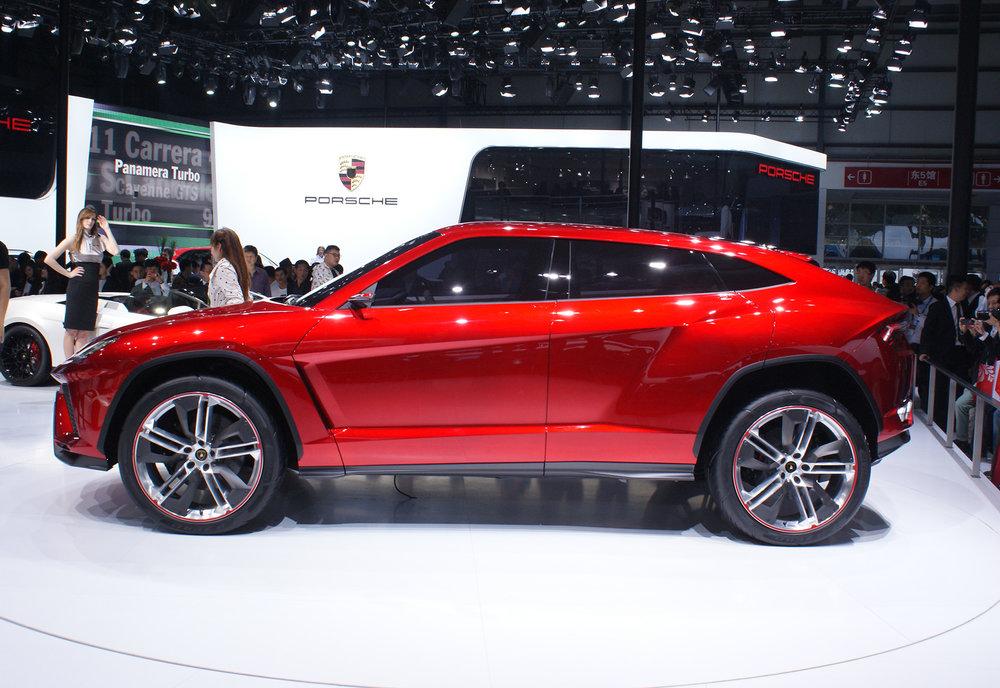 Lamborghini-Urus-concept-4.jpg