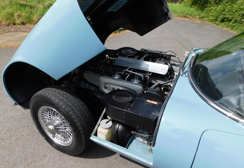 1971-JAGUAR-E-TYPE-SERIES-III-V12-ROADSTER-engine.jpg