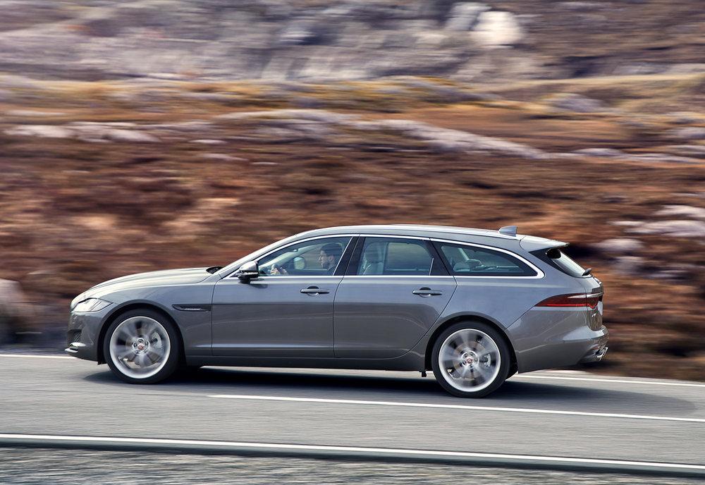 Jaguar_XF-Sportbrake_Location_Exterior_140617_09.jpg