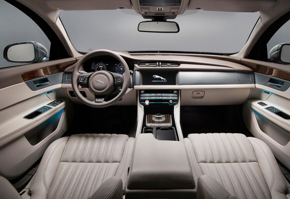 Jaguar_XF-Sportbrake_Studio_Interior_140617_09.jpg