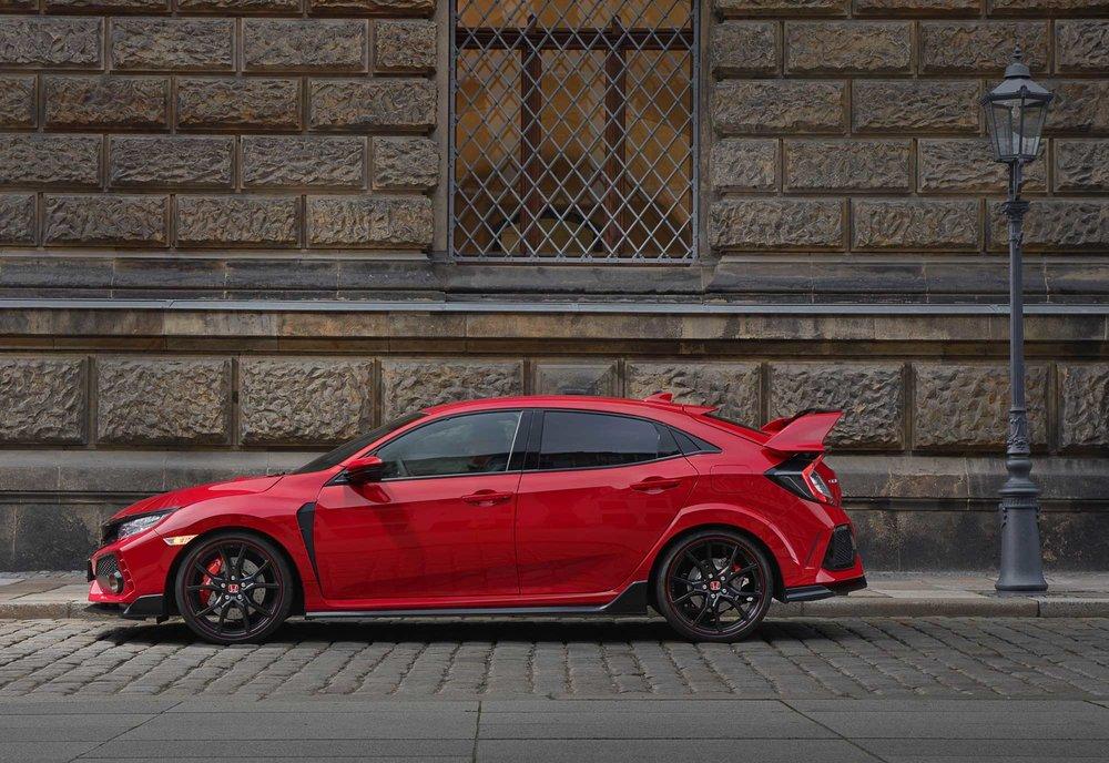 2017-Honda-Civic-Type-R-(25).jpg