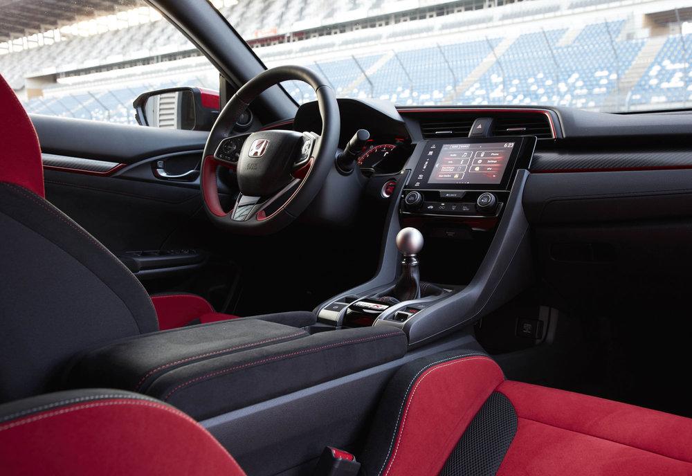 _2017-Honda-Civic-Type-R-(40).jpg
