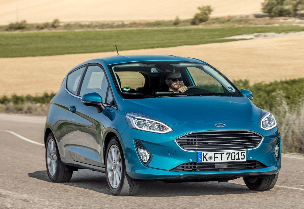 2017_Ford_Fiesta_Titanium_Wave_Blue_076.jpg