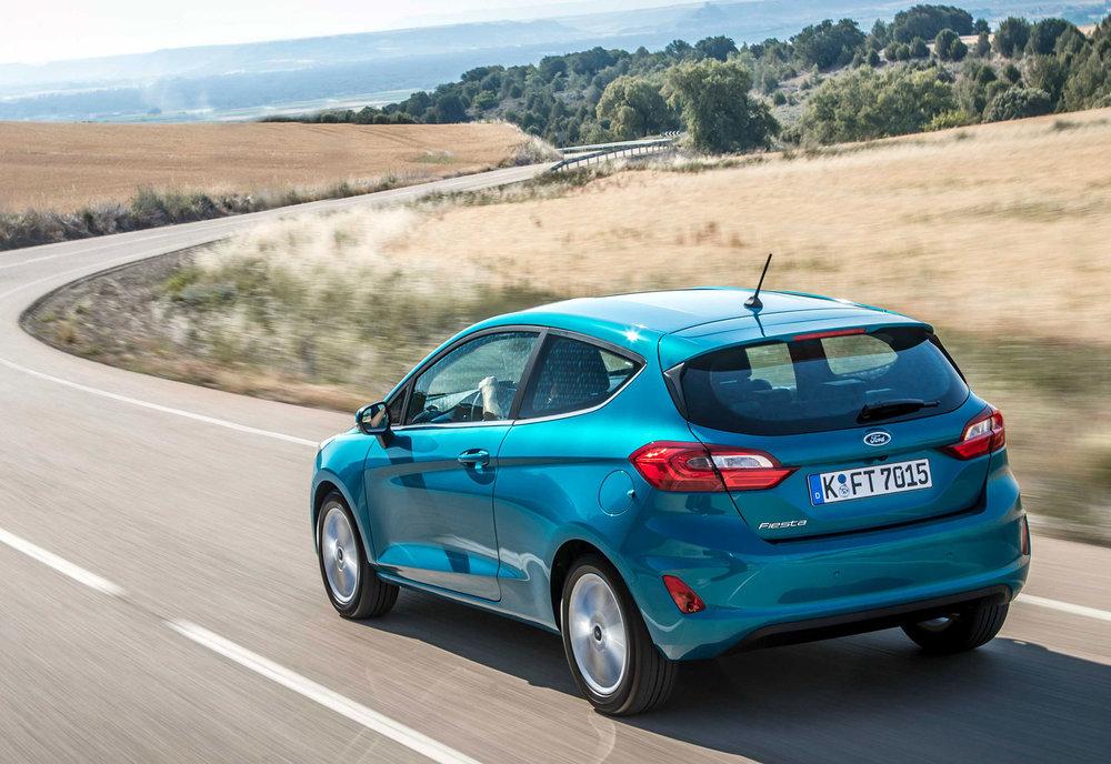 2017_Ford_Fiesta_Titanium_Wave_Blue_072.jpg