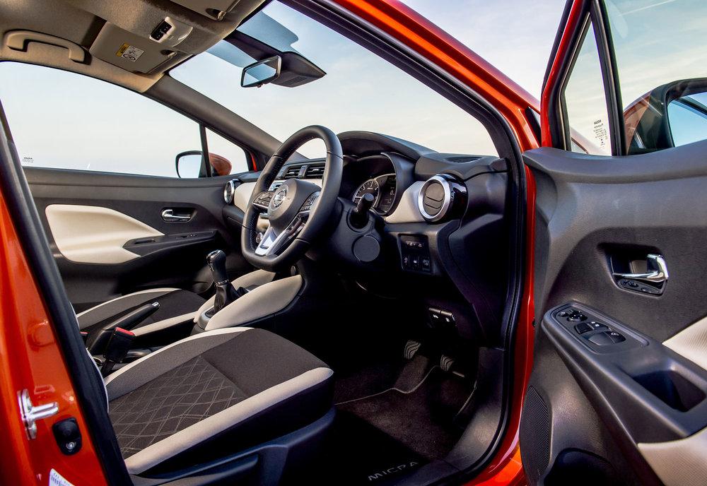 Nissan_Micra-2017-061.jpg