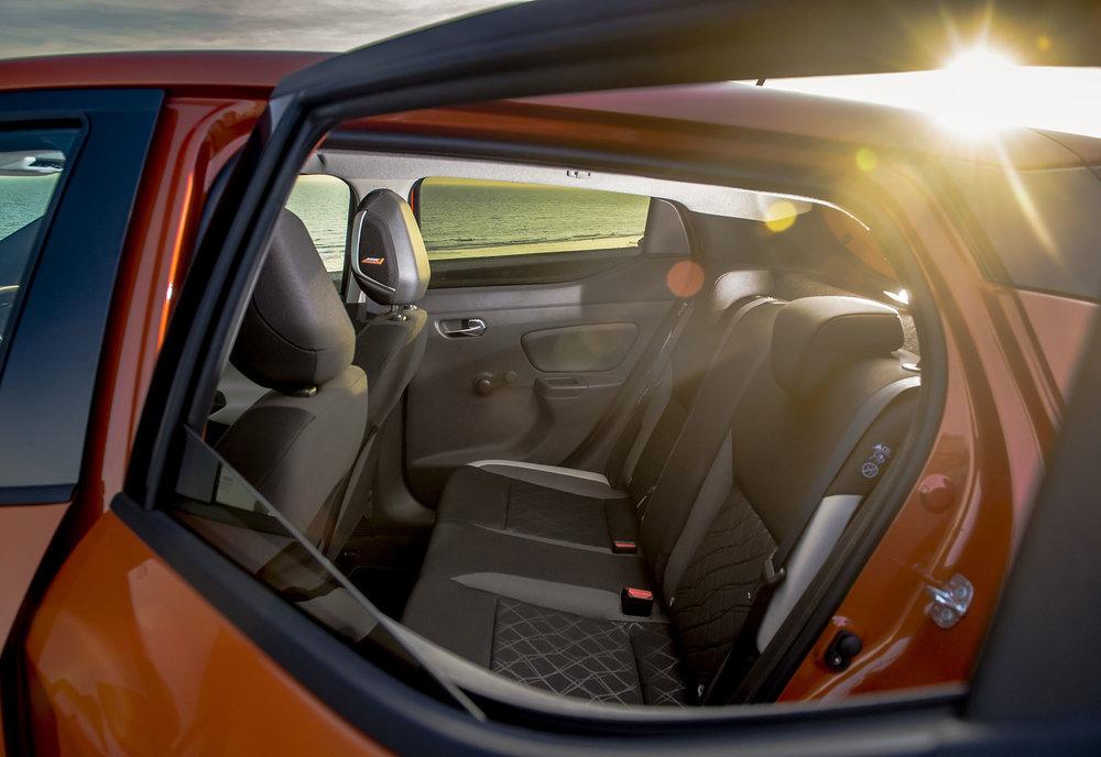 Nissan_Micra-2017-065.jpg