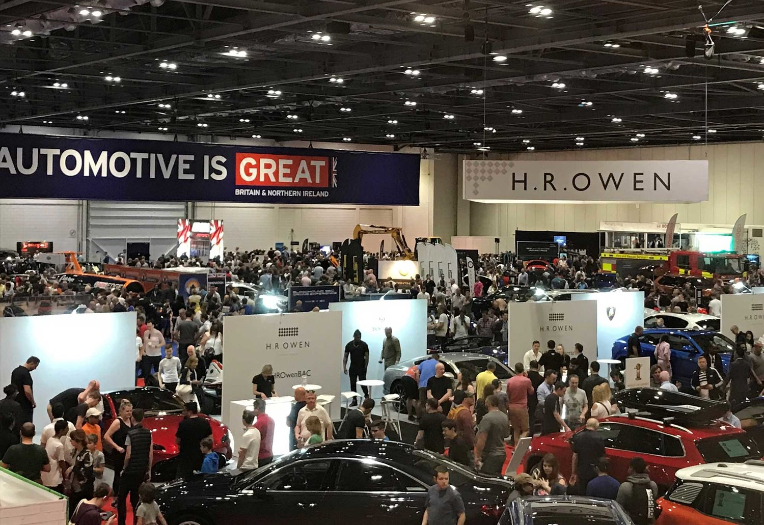 London Motor Cars >> London Motor And Tech Show Visitors To Play Their Cars Right