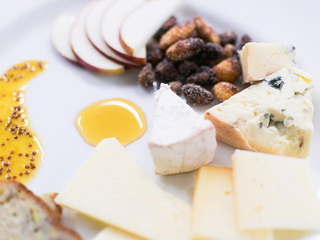 Enjoy a little cheese while you un-wine-d from the workday [Happy Hour from 4-7 at the bar] 😉🍷🧀