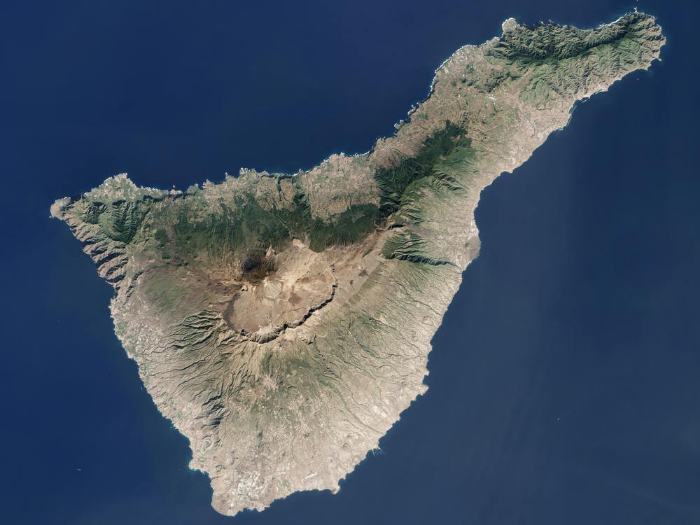 1920px-Tenerife_LANDSAT-Canary_Islands.png